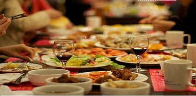 搬家邀請親戚朋友吃飯
