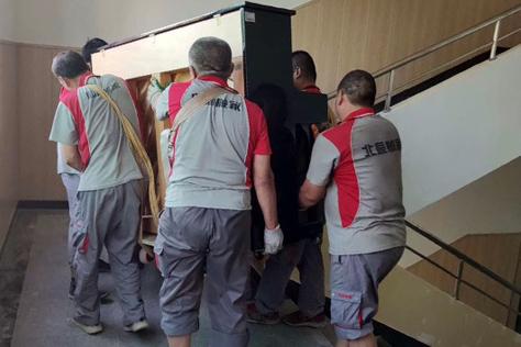 搬家如何使用电梯